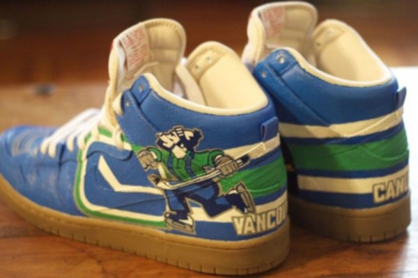 canucks nike air dunks custom